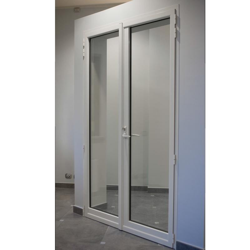 Serramenti Essential Erreci - Porta finestra due ante con serratura a zoccolo