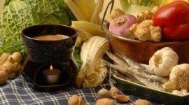 verdure di stagione, vaso con bagna, cardo crudo