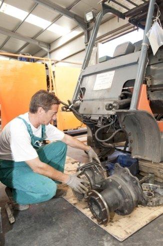 riparatore autorizzato carrelli Toyota