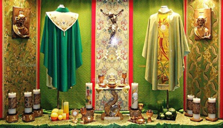 Arredo liturgico verde
