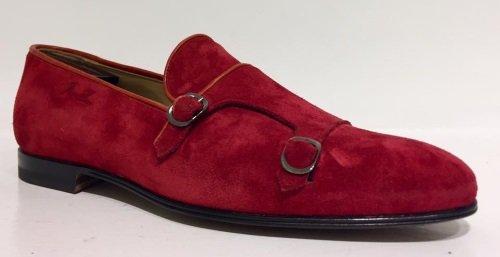 una scarpa marrone senza suola