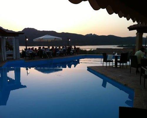 Vue au coucher du soleil depuis le restaurant