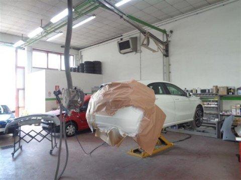 verniciatura paraurti auto