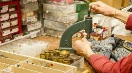 riparazioni bottoni a siena, riparazioni bottoni jeans siena, riparazione bottoni a pressione a siena, piccole riparazioni sartoriali siena