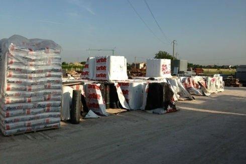 del materiale edile imballato