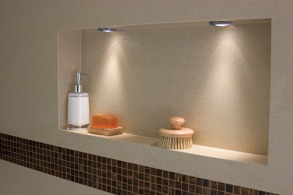 nook in bathtub for bathing accessories