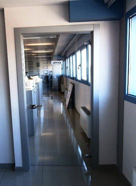 porta interna per uffici in vetro