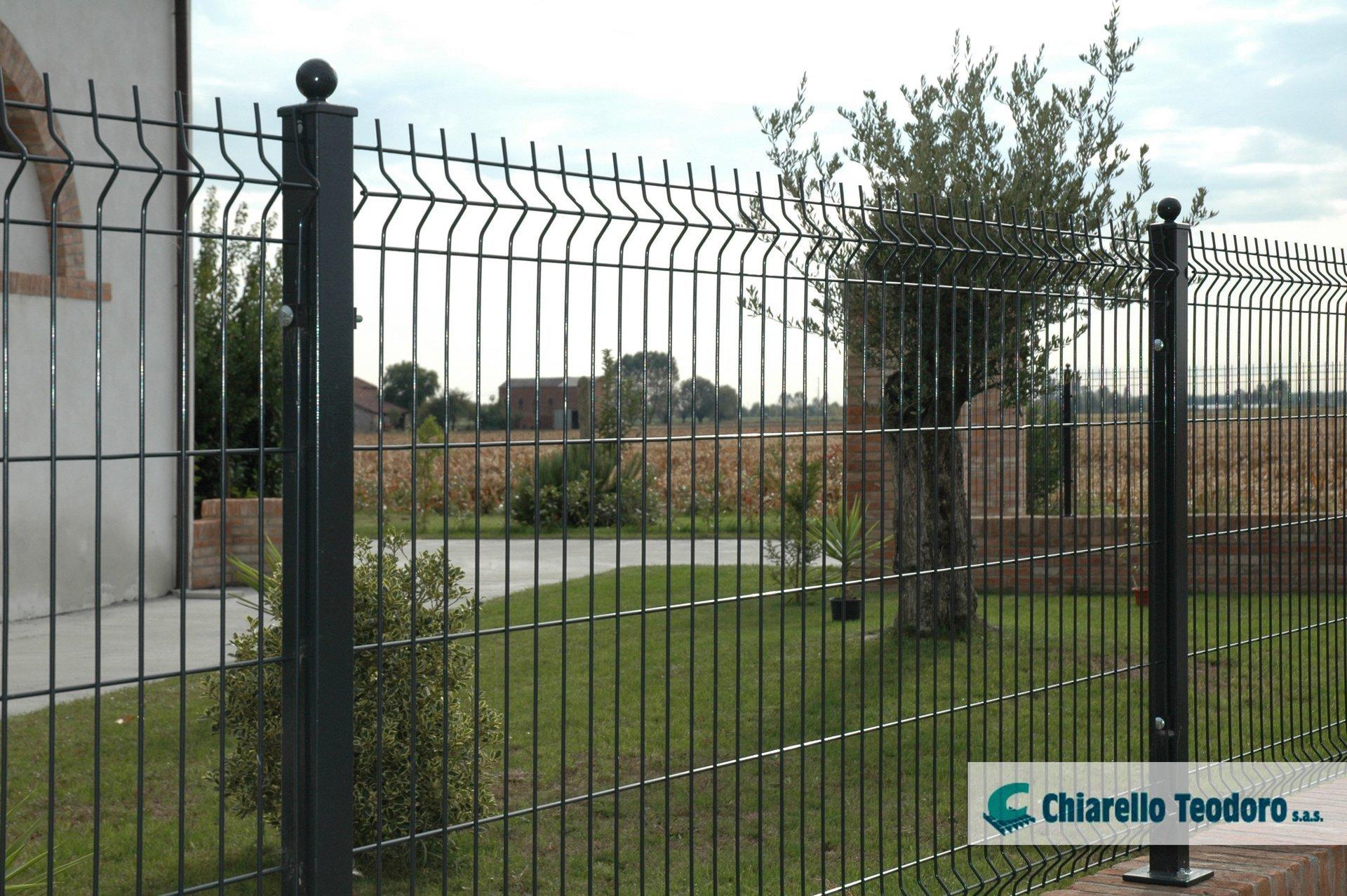 dettaglio recinzione residenziale onda