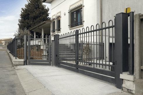 cancello scorrevole ad ante