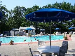 senior living communities Suffolk County, NY