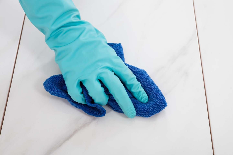 pulizia piastrelle