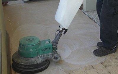 pulizia-pavimenti-interni