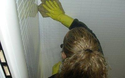 pulizie-domestiche-piastrelle
