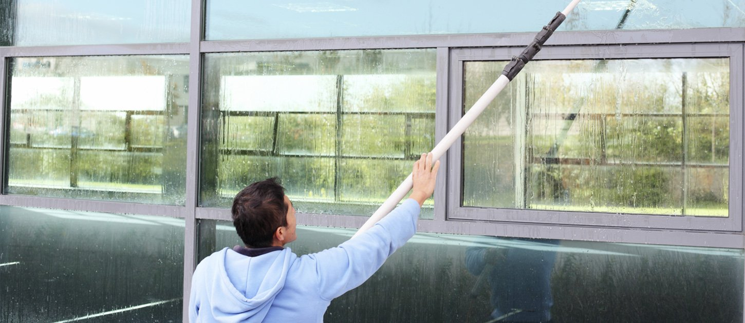 window cleaner using water fed pole