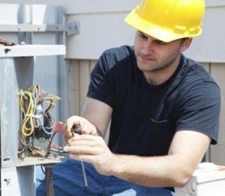 elettricisti, manutenzione impianti elettrici, riparazione impianti elettrici
