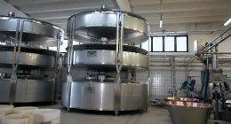 impianti per l'industria alimentare, impianti per la produzione di formaggi, attrezzature per l'industria conserviera