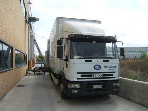 camion per traslochi uffici