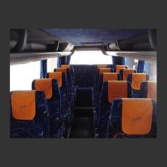 sedili pullman con coperture arancioni