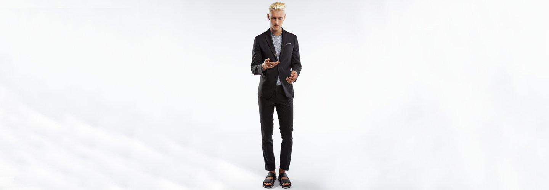 Ragazzo con vestito elegante