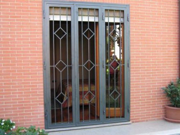 porta con cancello