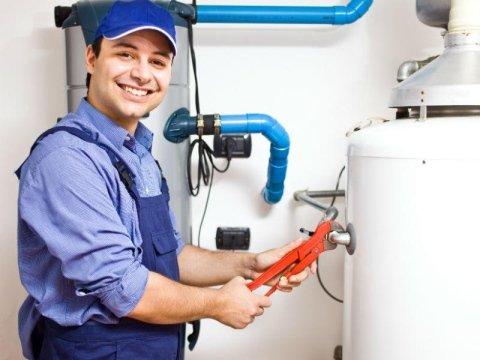 tecnico manutenzione caldaia