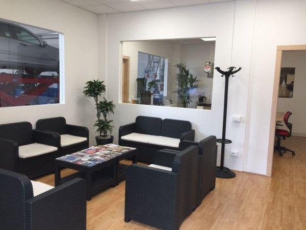 Sala d'attesa - PneusBoden