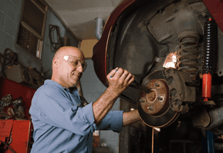 revisione periodica auto, tagliandi auto, sospensioni pneumatici