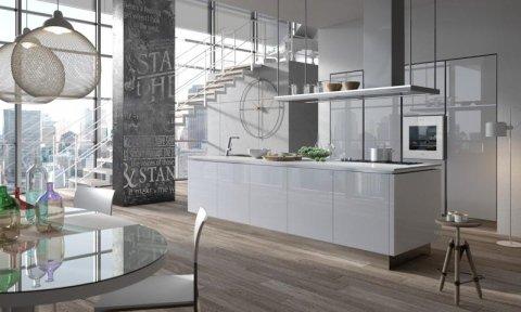 cucina laccata bianca con isola