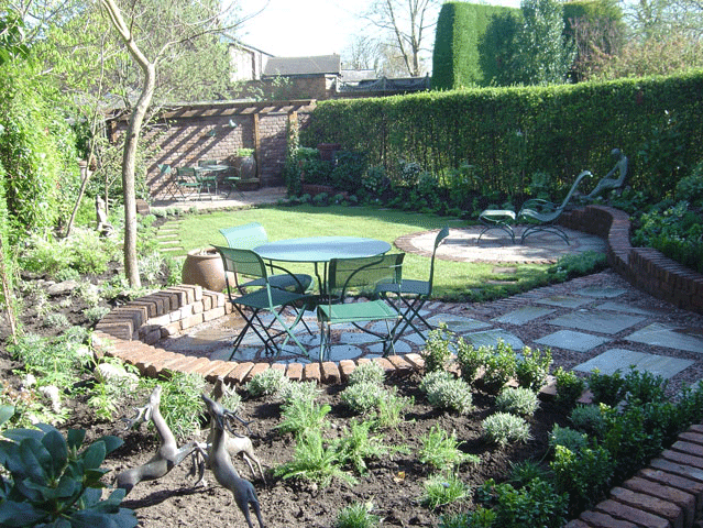 Gates and fences - Saddleworth, Diggle, Delph - Avonleigh Homes & Gardens - garden