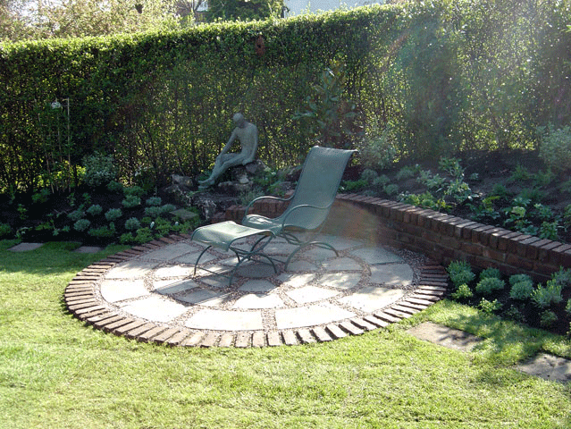 Landscaping company - Holmfirth, Middleton, Chadderton - Avonleigh Homes & Gardens - green grass