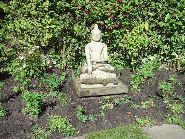 Garden ideas - Rochdale, Shaw, Huddersfield - Avonleigh Homes & Gardens - buddha statue