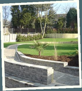 Dream garden - Holmfirth, Middleton, Chadderton - Avonleigh Homes & Gardens - garden walls