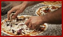preparazione di una pizza