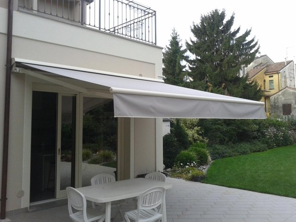 tenda bianca