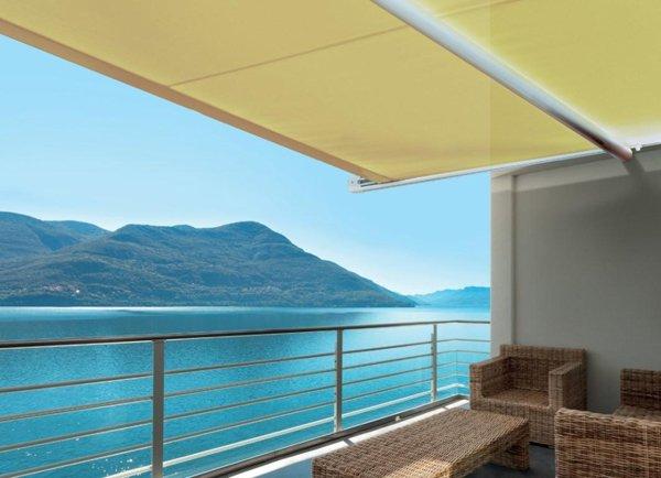 tenda parasole con vista sul mare