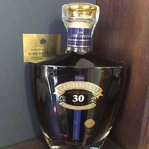 bottiglia di liquore centenario edizione limitata