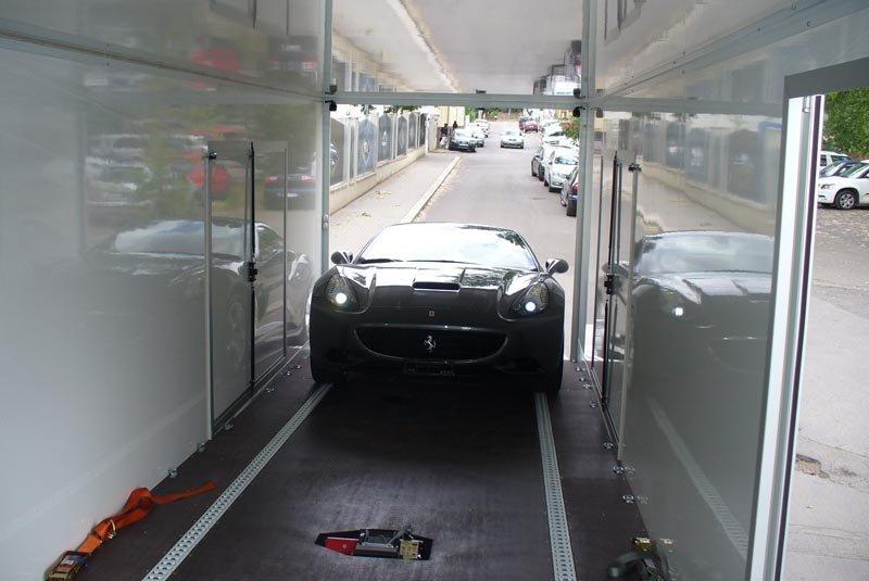 Trasporto auto con bisarca chiusa