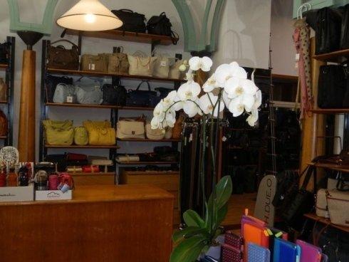 Prodotti di pelletteria al negozio L'alternativa - Valigeria Pelletteria