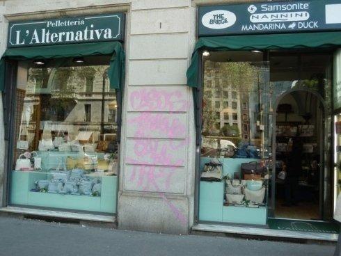 Vista frontale del negozio L'alternativa - Valigeria Pelletteria