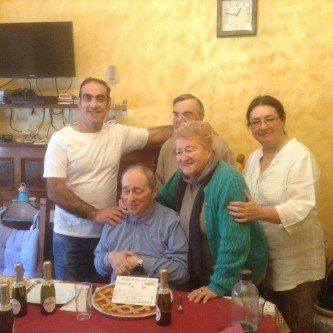 Celebrazione di un compleanno presso la residenza per anziani