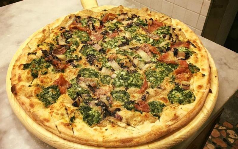 pizza con verdure stagione