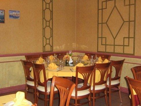 tavolo per dieci persone