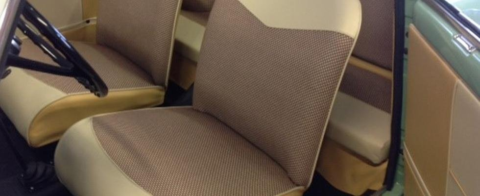 Tappezzeria sedili, selliere, capote e rivestimenti in pelle e stoffa.