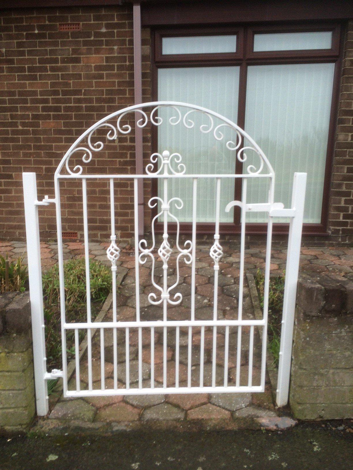 Meta gates