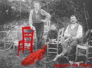 litografia con sedia e paglia rosse