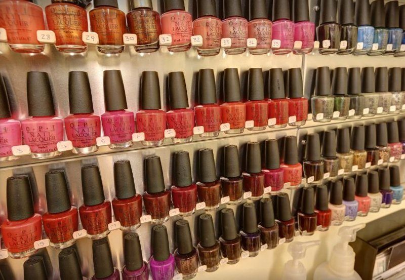 Wide range of OPI nail gel