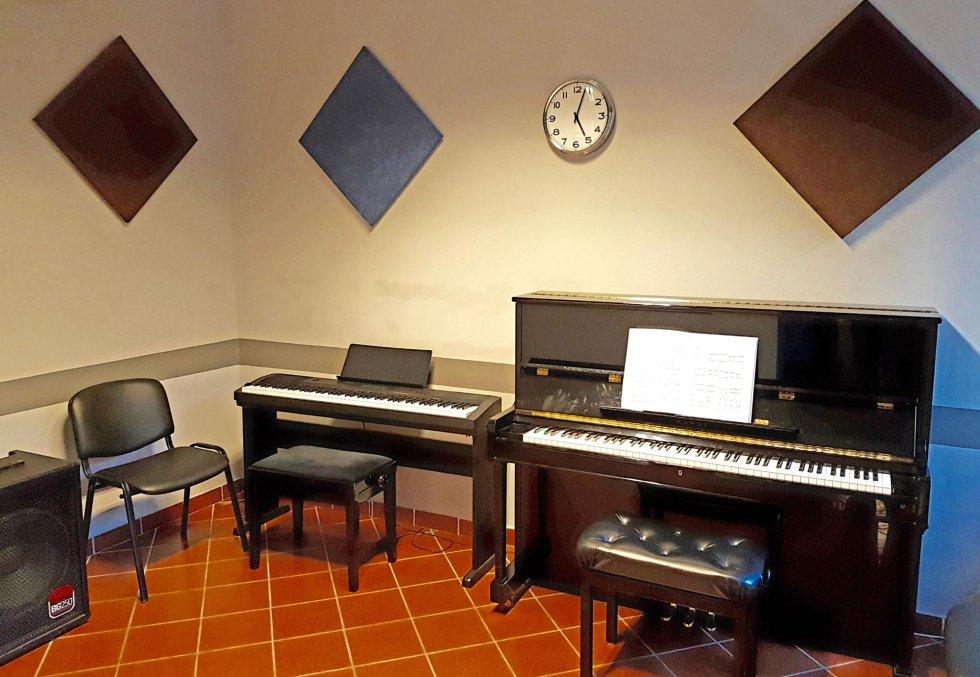 SALA MUSICA PIANOFORTE