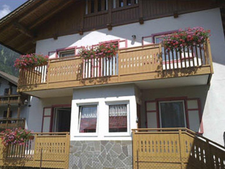 parapets for balconies santo stefano ticino milano