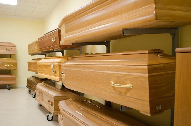 esposizione articoli funebri