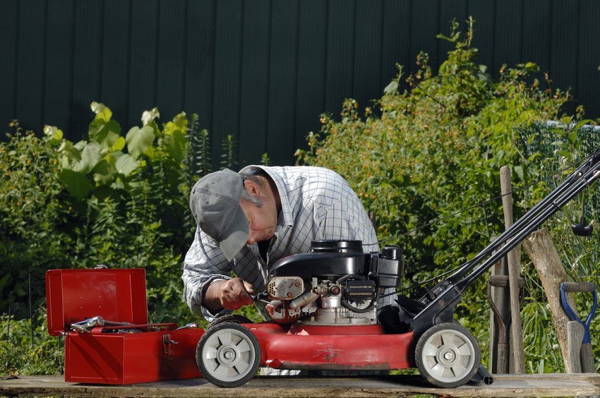 A wide range of lawn mower spares and parts in Derby